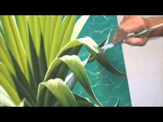 Don't be afraid of pure White! In this short studio tutorial Mark shows you how to use pure white (he uses Atelier Free Flow in this clip) to create fantasti. Acrylic Tips, Acrylic Painting Tutorials, Painting Videos, Painting Lessons, Acrylic Art, Painting Tips, Painting Techniques, Art Lessons, Painting & Drawing