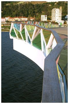 Pedro e Inês footbridge over the Mondego river, Coimbra - Portugal. Designed by Cecil Balmond and Adão da Fonseca.