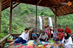Family trip  taman bumi ciletuh...  Come.. invite your family and your friends..  Lets join us.. www.sukabumigetlost.com #familytrip #tamanbumiciletuh #sukabumigetlost #funoffroadciletuh  WA/ 0822 1029 2222 BBM/ 56AD6F0E
