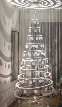 The Pearl 7.5' Modern Christmas Tree. $799 + Free Shipping in the US*. #WhiteChristmas #AlternativeChristmasTrees #ModXmas