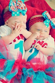 via twinpossible com source cute twin girl halloween costumes hallowen org