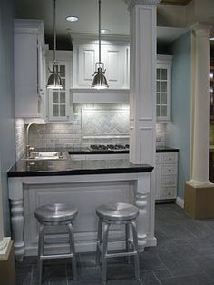 Great layout for a small kitchen or a basement kitchen