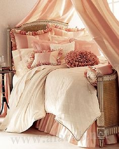 <3<3...if I were single...this would be my bed...but...im not and Im pretty sure my husband would feel emasculated in this...