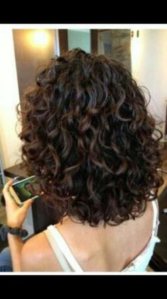 trendy Ideas for hair medium length curly perms afro bangs hair hair styles mujer peinados perm style curly curly Medium Hair Cuts, Medium Hair Styles, Curly Hair Styles, Medium Curly Bob, Short Styles, Short Layered Curly Hair, Medium Cut, Short Pixie, Short Hair With Perm