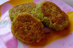 This simple and baby-friendly tuna fish cakes are easy to make, delicious in flavour perfect for baby and adult alike. Tuna Fish Cakes, Tuna Fish Recipes, Fish Cakes Recipe, Whole30 Fish Recipes, Baby Food Recipes, Dinner Recipes, Healthy Recipes, Toddler Meals, Kids Meals