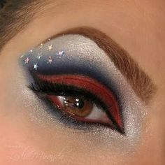 Make up looks · of july eyeshadow blue makeup, fourth of july, halloween face makeup, makeup Eye Makeup Tips, Makeup Art, Beauty Makeup, Makeup Ideas, Beauty Tips, Beauty Stuff, Supergirl Comic, Holiday Makeup, Halloween Makeup