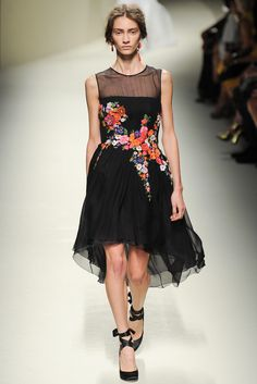 Alberta Ferretti Spring 2014 Ready-to-Wear Collection Photos - Vogue