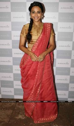 Sonam's Prem Ratan Dhan Payo co-star Swara Bhaskar opted for a bright shade from Anavila's collection.