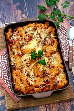 Gratin de pâtes à la mexicaine - Amandine Cooking - The Best Breakfast and Brunch Spots in the Twin Cities - Mpls. Best Pasta Recipes, Fun Easy Recipes, Quick Easy Meals, Budget Recipes, Family Recipes, Mexican Breakfast Recipes, Mexican Food Recipes, Healthy Dessert Recipes, Vegan Recipes