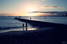 47. Stroll along Waikiki Beach at dusk for picture-perfect opportunities.