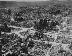 #CiudadesMártires2aGuerraMundial #Stuttgart, 1944. A la izquierda, Plaza e Iglesia de San Leonardo.