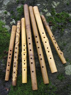 The Slovak fujara is an awesome overtone flute of four to seven feet in length. Fujara is absolutely unique hand made overtone fipple flute and one cannot find similar anywhere but in Slovakia. Flautas, Native American Music, Tin Whistle, Finn The Human, Bamboo Crafts, Kalimba, Bubbline, The Dark Crystal, Character Aesthetic
