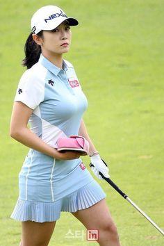 Incredible Stylish Women's Golf Clothing Ideas. Ravishing Stylish Women's Golf Clothing Ideas. Girls Golf, Ladies Golf, Lpga Golf, Girl Golf Outfit, Sexy Golf, Golf Photography, Golf Attire, Golf Fashion, Ladies Fashion