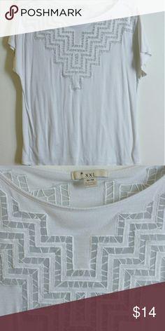 Flowy shirt Lightly worn! Forever 21 Tops Tees - Short Sleeve