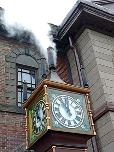 The Otaru Steam Clock 時計 steaming on the Marchen intersection in Otaru Hokkaido Japan by Arjan Richter, via Flickr