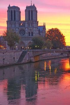 Notre Dame de Paris, even though the French are dirty, quitting sissies! Notre Dame de Paris, even though the French are dirty, quitting sissies! Paris Travel, France Travel, Dream Vacations, Vacation Spots, Disney Vacations, Paris France, Paris Paris, Montmartre Paris, Places To Travel