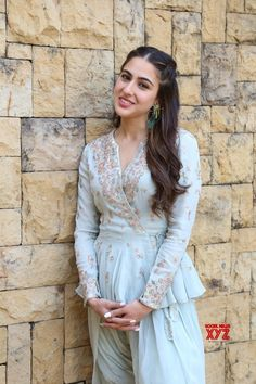 Mumbai: Sara Ali Khan during the promotion of film Kedarnath - Social News XYZ Beautiful Bollywood Actress, Beautiful Indian Actress, Bollywood Celebrities, Bollywood Fashion, Party Wear Indian Dresses, Sara Ali Khan, Beautiful Girl Image, India Beauty, Sexy Asian Girls