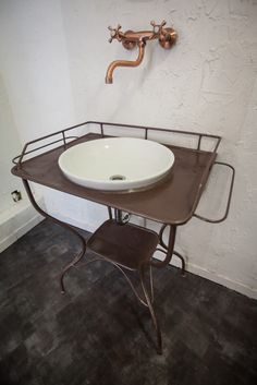 our new vintage basins in the renovated bathrooms, check them out at this awesome hostel in Budapest!