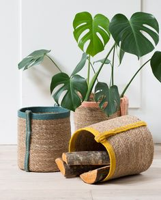 Decorative baskets with coloured handle detail. Prices from DKK 59,00 / SEK 79,00 / NOK 84,00 / EUR 8,28 / ISK 1619,00 / GBP 7.18