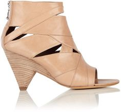 My very favorite spring/summer shoes. Belle by Siegerson Morrison.