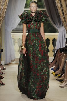 #GiambattistaValli Fall 2012 #Couture - Review - Collections - #Vogue