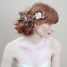 haar: kapsels en accessoires bridal wear