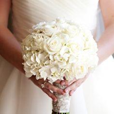 White Bouquet Inspiration. Photo via Brett Hickman Photographers.