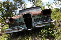 1958 Edsel  ¡ ¿ alguien querra rescatarlo para que luzca en su esplendor ? !