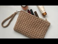 Band Stoff Clutch Bag Making (Erdnuss Modell Clutch Bag), Crochet Handbags, Crochet Purses, Crochet Pouch, Diy Bags Purses, Youtuber, Chloe Bag, Fabric Ribbon, Knitted Bags, Handmade Bags