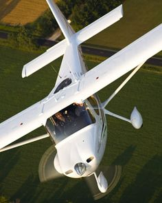 Learn to fly with our full-immersion training method and get your private pilot license in days, not months or years, with SunState Aviation's Accelerated Private Pilot Training course. Cessna Aircraft, Aircraft Propeller, Cabin Crew Jobs, Private Pilot License, Light Sport Aircraft, Pilot Training, Private Plane, Fighter Jets, High Flight