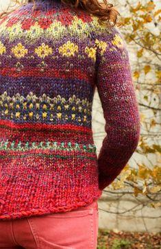 Pull fait main style islandais lumineux et coloré par TASSSHA