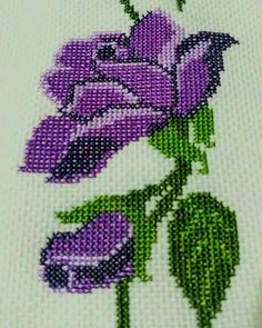 Cross Stitch Flowers, Cross Stitch Patterns, Christmas Cross, Needle And Thread, Hand Embroidery, Needlework, Guitar, Cross Stitch Embroidery, Gingham Quilt