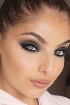 Useful Makeup Tips Every Girl Should Know ★ See more: https://makeupjournal.com/useful-makeup-tips/