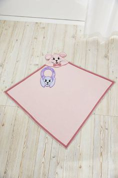 Embellish a bib and blanket  with adorable Pop-up-embroideries! Embroidery Designs: Cute and Cuddly #277