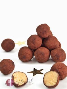Simple Baileys balls, from only 5 ingredients - foodwerk. Sweet Recipes, Dog Food Recipes, 5 Ingredient Desserts, Easy Desserts, Dessert Recipes, Law Carb, Food Porn, Cooking Instructions, Just Cooking