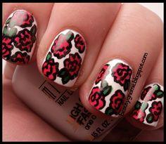 Rose manicure on beautygnome.blogspot.com :o)