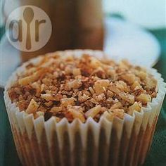 Our muffine du jour-Maple Walnut muffins. Smothered w a bit of butter, they are just like a pancake-to-go! Very yummy. Muffin Tin Recipes, Cupcake Recipes, Muffin Tins, Dessert Recipes, Maple Walnut Muffin Recipe, Quebec, Pancake Muffins, Mini Muffins, Pecan Cake