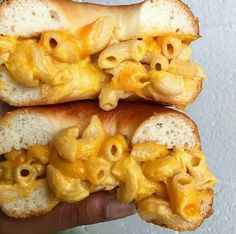 Mac and cheese on a bagel. (via @food_porn) @GottaLoveDesss