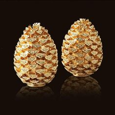 L'Objet Pinecone w/Yellow Crystals Salt & Pepper Shakers Gold Set of 2 Christmas Dinnerware, Autumn Table, Salt And Pepper Set, Elegant Christmas, Christmas Decor, Gold Set, Salt Pepper Shakers, Pine Cones, Decorative Accessories