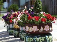 Painted Garden Tire Planters #garden #planters