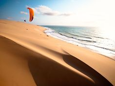 Photo by Jody MacDonald~Paragliding in Bazaruto Island, Mozambique Photography Guide, Adventure Photography, Aerial Photography, Landscape Photography, Beach Pictures, Cool Pictures, Sand Island, Walking, Paragliding