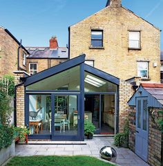 A four bedroom Victorian Townhouse in Dublin was transformed by adding a spacious kitchen extension as well as a loft conversion Extension Veranda, House Extension Design, Glass Extension, Roof Extension, House Design, Extension Ideas, Extension Google, Loft Design, Design Design