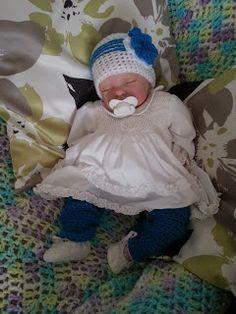 Baby Crochet Hat & Leg Warmers using RAKJ Zoey Pattern
