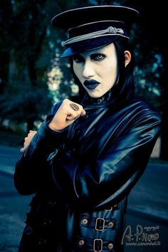 /r/cosplay: for photos, how-tos, tutorials, etc. Cosplayers (Amateur and Professional) and cosplay fans welcome. Arte Marilyn Manson, Brian Warner, Foo Fighters Nirvana, Grunge, Heavy Metal Bands, Twiggy, Metalhead, Royal Blood, Greatest Hits
