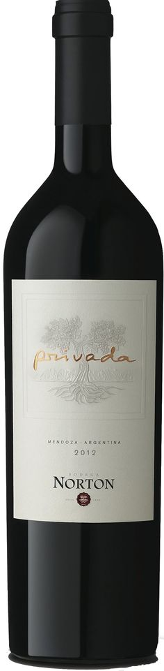 """""""Privada"""" 40% Malbec / 30% Merlot / 30% Cabernet Sauvignon 2012 - Bodega Norton, Luján de Cuyo---------------Terroir: Agrelo (Luján de Cuyo) & Lunlunta (Maipú)---------------------- Crianza: 16 meses en barricas nuevas de roble francés"""