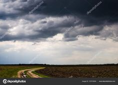 Country road disappearing into the distance — stock photo