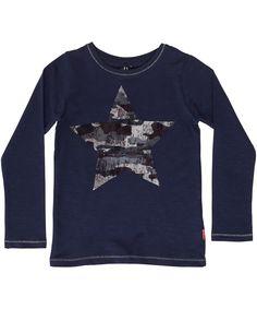 Name It donkerblauwe t-shirt met blinkende camouflage ster. name-it.nl.emilea.be