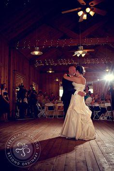 Hidden springs barn rental wedding