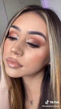 Dope Makeup, Edgy Makeup, Baddie Makeup, Smokey Eye Makeup, Eyebrow Makeup, Silver Makeup, Rose Gold Makeup, Full Face Makeup, Eye Makeup Designs
