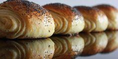Kjempegode tebriks som passer til enhver anledning. Norwegian Food, Piece Of Bread, Scones, Bread Rolls, Bread Baking, Bagel, Doughnut, Good Food, Food And Drink